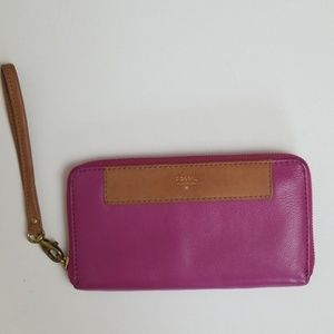 Fossil pink leather wristlet and wallet